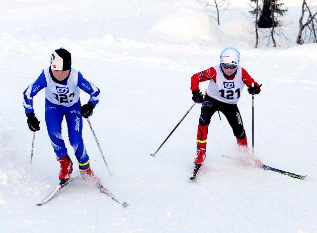 11-åringene Magnus Lunheim fra Øyer-Tretten (t.v.) og Julius Mangset Elstad fra Ringebu-Fåvang i aksjon i GD-cupen på Astridbekken.