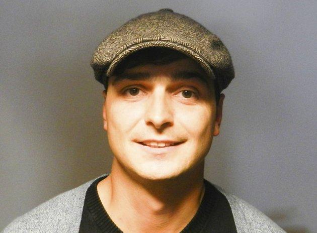 KRITISK: Erik Vitanza mener ansvaret som følger med  redaktørrollen er stort.