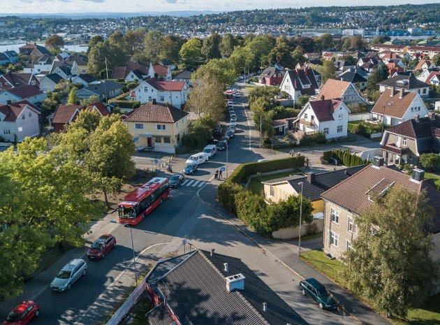 Tett trafikk: Mange bilister valgte alternative omkjøringsveier pga. stenging i Fjordveien i 2017. I Klostergata og Høienhaldgata var trafikken tett.