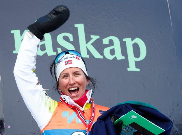 Alta  20180407. Marit Bjørgen takker av for seg under 30 km kvinner fri teknikk i Alta lørdag. Sølv til Bjørgen. Foto: Terje Pedersen / NTB