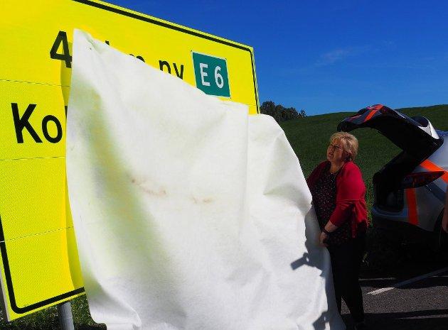 ÅPNING: Statsminister Erna Solberg og samferdselsminister Knut Arild Hareide skal åpne nye E6 mellom Brumunddal og Moelv 26. oktober.
