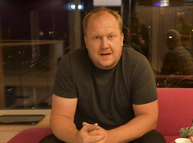 Ordfører Bjørn Gunnar Baas (Sp) satte foten ned og bestemte at det ikke blir noe ball for ungdommen i kommunens lokaler før jul i år.