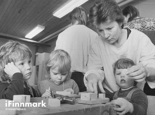 Barneuke på husflidskolen. 09.11.1986.