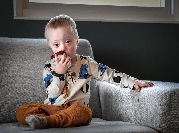 Joel Ditlefsen Fagermo har gått fra minibaby med flere utfordringer, til snart tre år gammel aktiv krabat.