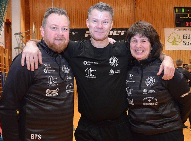 TRENERTEAMET: Trioen Bjørn Tore Staås (f.v.), Ove Stenberg (hovedtrener) og Kristin Lysaker utgjør trenerteamet for HK Eidsbergs Bringserielag for gutter 16 år.
