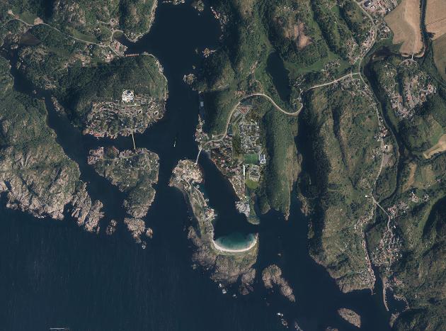 Manipulert flyfoto over Nordfjord-Rekefjord-Hellvik-Sogndalstrand (med tillatelse fra Kartverket)