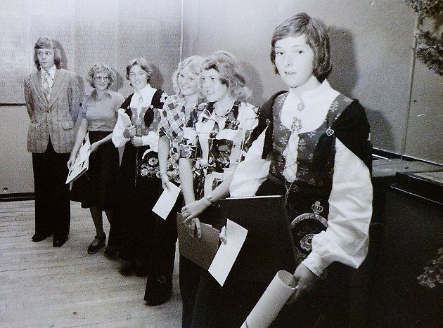 Skoleavslutning for St. Olav elever i 1976.