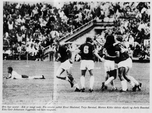 ØRN-JUBEL: Ørns 1987-lag jubler for Ronny Madsens scoring, som ga 1-0-seier på Tønsberg Gressbane. Er det tid for en ny Ørn-seier mot Eik samme sted lørdag?