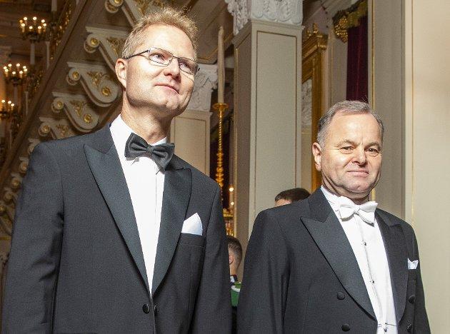 Fra slott til innland: Frps Tor André Johnsen og Høyres Olemic Thommessen på veg til middag på Slottet. Om halvannet år er det slutt for begge. Frp mister plassen, mens Høyre skal finne etterfølgeren.