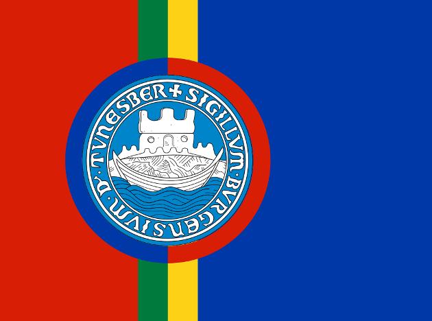 Det samiske flagget med Tønsbergs kommunevåpen i midten
