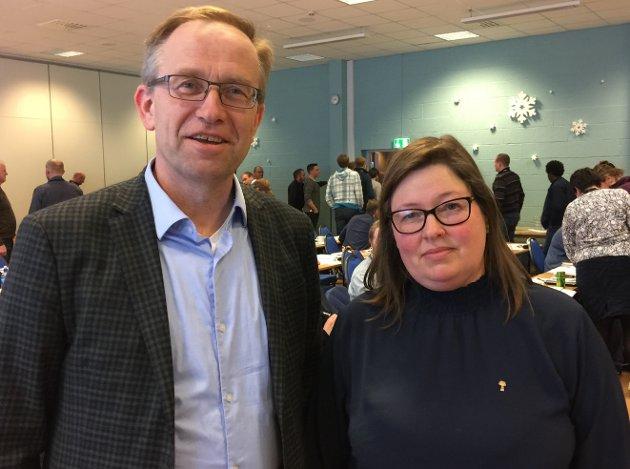 SAMSTEMTE: Landbruksdirektør Haavard Elstrand hos Fylkesmannen i Innlandet og leder Kristina Hegge i Oppland Bondelag går for å styrke små og mellomstore garder.