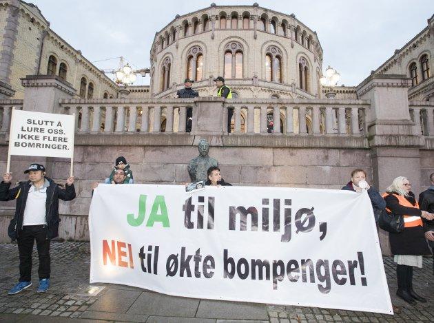 - Det er ikke vanskelig å spå at et bompengeopprør kommer også i Innlandet, skriver Lars Mæhlum.