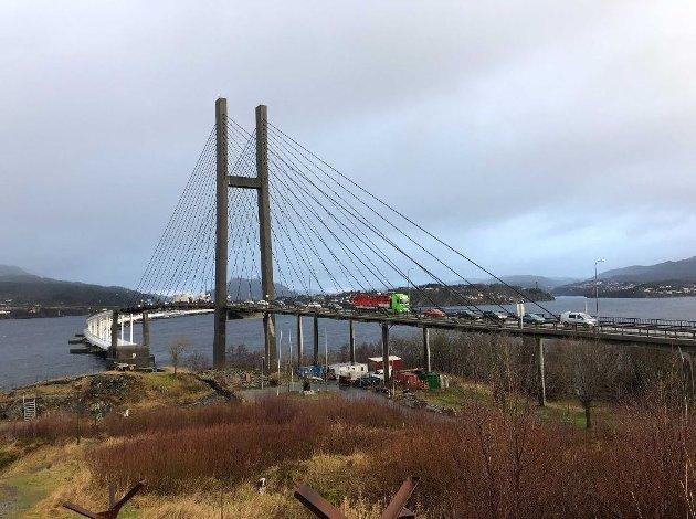 Null bevegelse på Nordhordlandsbroen etter at Hordviktunnelen stengte. Foto: ARNE RISTESUND / BA