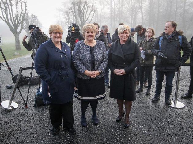 Regjeringsforhandlinger på Jeløy Radio. Finansminister Siv Jensen (Frp), statsminister Erna Solberg (H) og Trine Skei Grande (V).