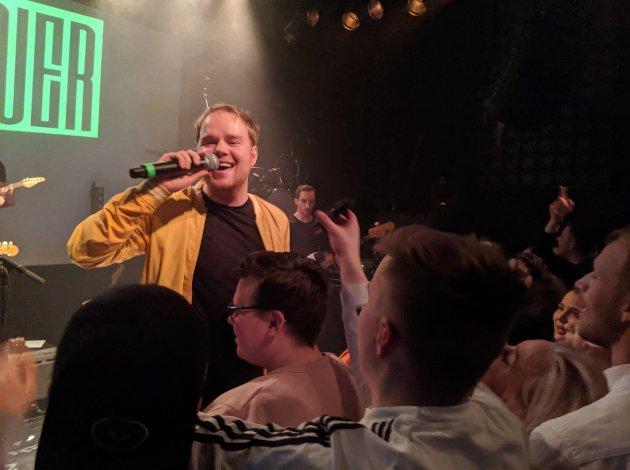 PUBLIKUMSKONTAKT: Måten Hausner håndterer publikum er en av de beste elementene i liveopptredenen deres.