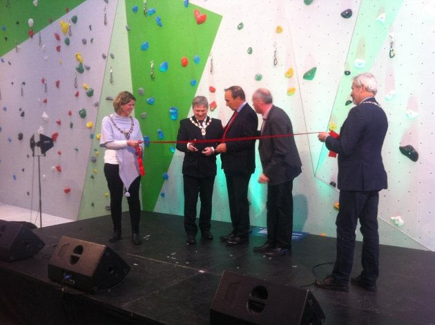 Snorklipping med tre ordførere: (Fra venstre) Hilde Brørby Fivelsdal (Jevnaker), Kjell B. Hansen (Ringerike, Aage Thoresen, Terje Dahlen, og Per Berger (Hole).