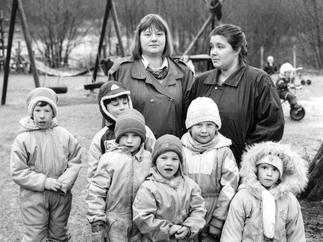 Barnehage går mot barnehageutbyggjar, skreiv Firda i 1990. Anita Nelissen Leirvåg og Eli Vikøren, Vie barnehage.