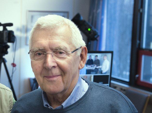 Leif Peder Østmo mener vi trenger hovedsykehus som kan behandle hele pasienten.