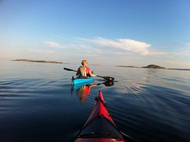 TRIVES: Sjø, skjærgård og friluftsområder er noen av de gode kvalitetene forbundet med å bo i Færder kommune, mener forfatteren.