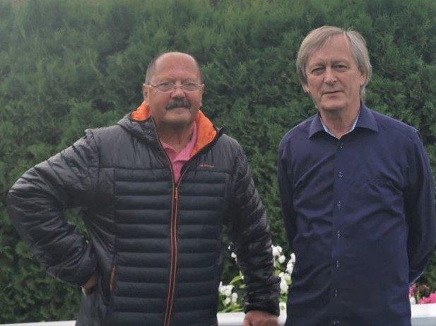 KRITISK TIL KUTT I DEMENSOMSORGEN: Stein Falkø og Frank Jakobsen er pårørende til pasienter på Ås demenssenter.