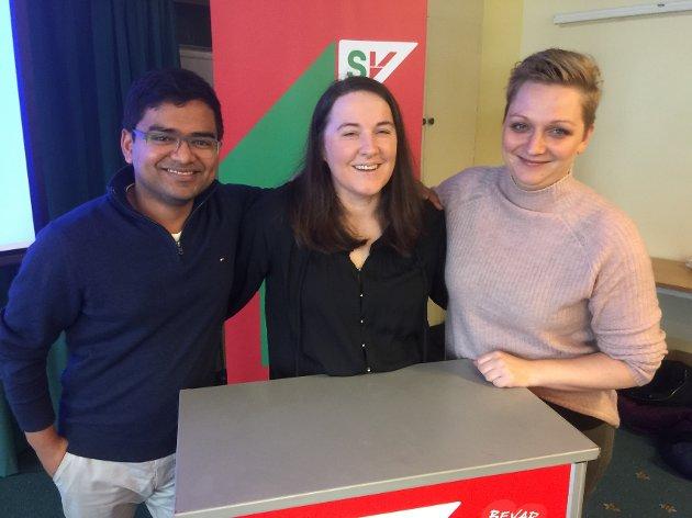 ENDRINGER: Mizanur Rahaman fra Lillehammer overtar i helga som ny leder i Oppland SV etter at Nisveta Niro (midten) går av som leder og nestleder Lisbeth Morewood (t.h.) trekker seg som nestleder.
