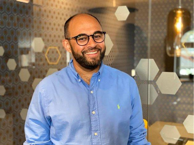 For min del var det å begynne å studere da jeg var 30 mer riktig. Jeg hadde erfaringer fra arbeidslivet som gjorde at jeg kunne sette ting i et helt annet perspektiv, skriver Adnan Afzal (H).