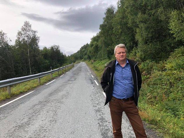 Vedlikeholdsetterslepet på fylkesvegene rammer hver enkelt, det rammer mulighetene for næringsutvikling og næringstransport. Men det rammer faktisk først og fremst nasjonen Norges muligheter til å kunne bygge velferdsstaten på de ressursene og verdiene som først og fremst finnes i distrikts-Norge, skriver Ivar B Prestbakmo,  2. kandidat for Sp i Troms ved stortingsvalget.