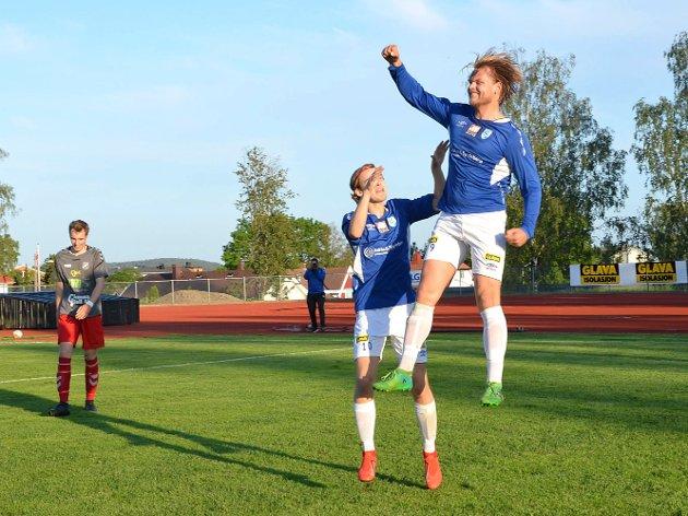 """LYKKELIG: Så glad ble Karl Petter Nilsen da han scoret med et sleivspark av et innlegg og ble matchvinner for Askim mot Greåker.  Mål er mål, sa """"KP"""" etterpå."""