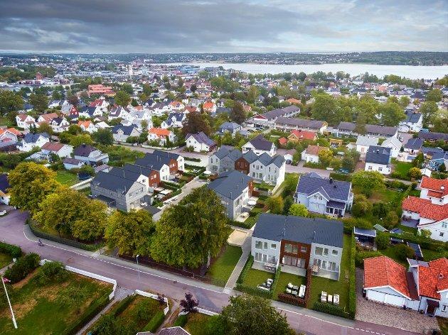 TUNGSOLGT: Utviklerne måtte sette ned prisen på noen av boligene på tomten til tidligere Teie skole fordi de gikk tregt unna.