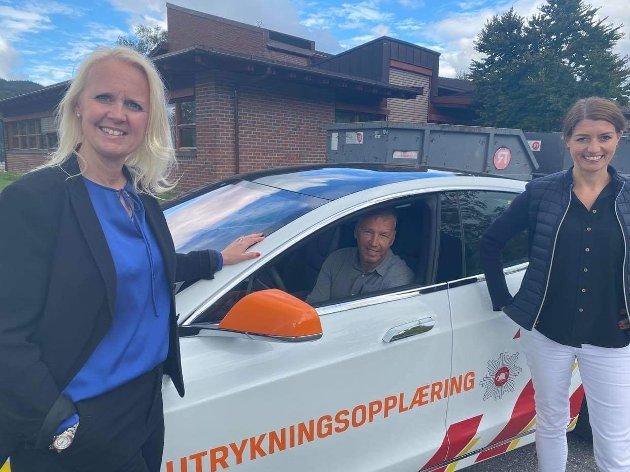 Olav Noteng er brannmester i Trøndelag brann- og redning og deltar sammen med Ingvill Dalseg (tidligere jordmor) og Guro Angell Gimse (tidligere politi) på en beredskapsturne .