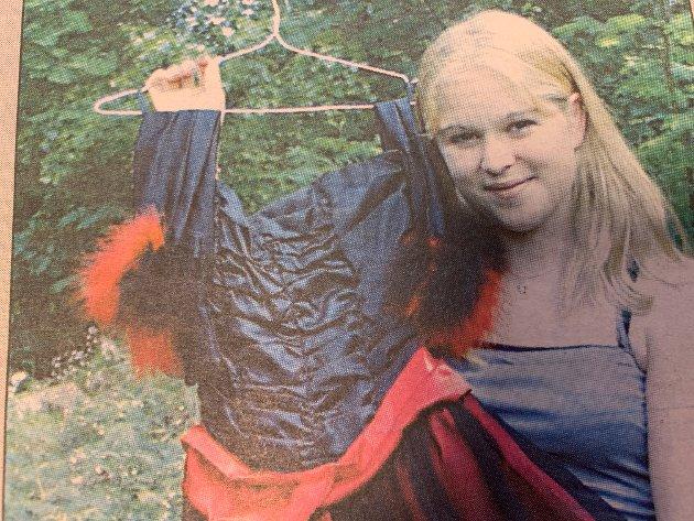 - Syr du selv får du klær ingen har maken til, understreket Linn Kolsrud Herning (16) fra Nesodden. Hun kunne fortelle Amta at hun likte å være original, og måtte ikke nødvendigvis bruke merkeklær for å føle seg trendy.
