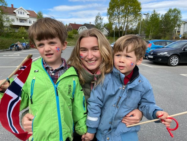 Vilde Finstad sammen med Elliot og Finn.