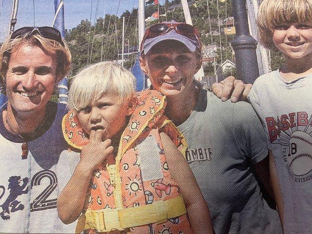 I juli 2006 kom Guro Steine, Steinar Jørgensen og familien hjem til Drøbak etter tre år med jordomseiling. En stor mottakelseskomité møtte dem i Vindfangerbukta.