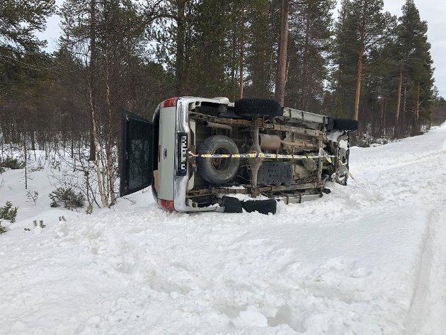 Denne bilen stod på siden rett før avkjørsel Skjevdalen ca. 7 km fra Røros sentrum på fv. 332.