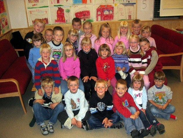 1. klasse: Klasse 1A på Røros grunnskole i 2003.
