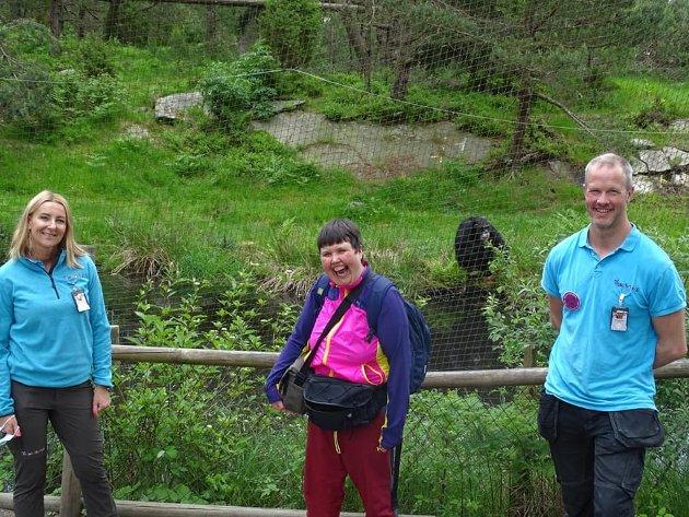 GODE GUIDER: Eirin Bjerke sammen med Markedsdirektør Anniken Bjørnstad Schjøtt og Trond Tjomsland er med Eirin når hun besøker Julius