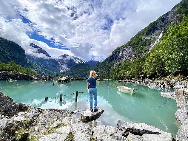 Kristin og Odd Geir har gått ei rekkje turar i sommar også utanom Stolpejakten, her ved Bondhusvatnet.
