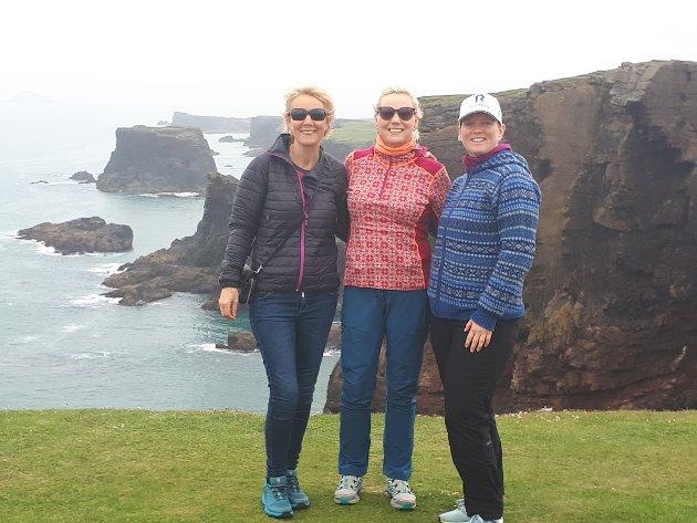 Loffedamene på Shetland i fjor sommar etter regatta frå Bergen.