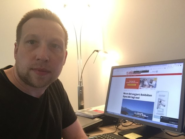 Redaktør Trond Roger Nydal meiner det er oppsiktsvekkande og kritikkverdig at bokbåten blir fjerna med Senterpartiet og vår eigen fylkesordførar Jon Askeand i spissen.