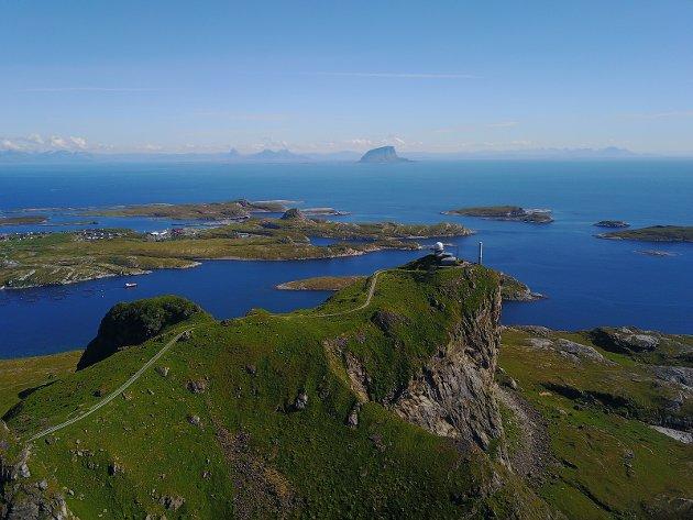 Bilde fra toppen av Sanna, Træna ytterst på Helgelandskysten