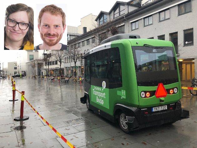 I Bodø har det denne uka vært testing av en førerløs buss, og vi hører snakk om droner som skal fly bagasjen vår til og fra flyplassen. Dette kalles «smart transport».