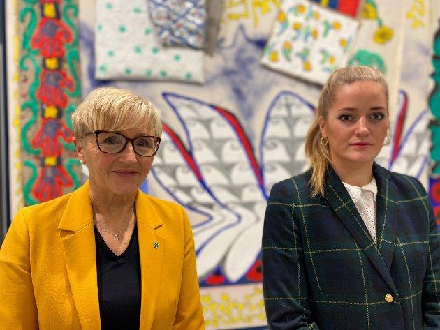 Liv Signe Navarsete ogEmilie Enger Mehl,  stortingsrepresentantar (Sp) og medlemmer av utanriks- og forsvarskomiteen.