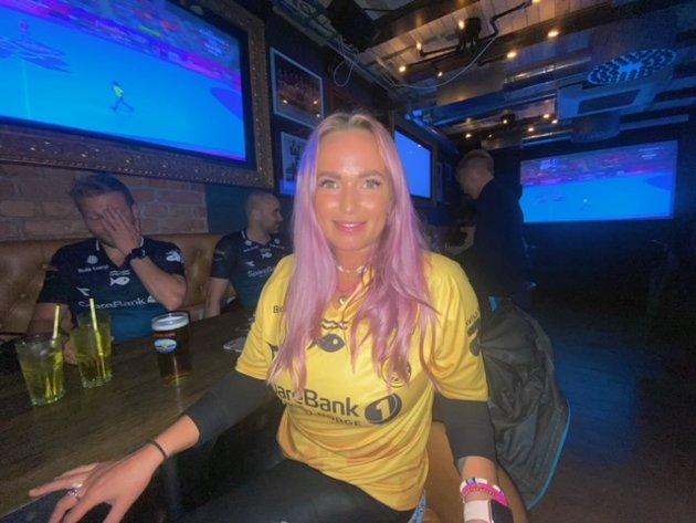 Julie Amundsen (29) håper på Glimt seier. - Tipper det blir 4-0 til Glimt