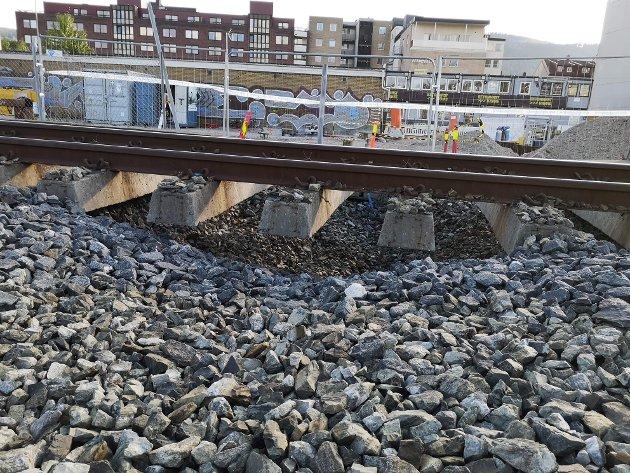 Her har grunnmassene under sporet gitt etter.