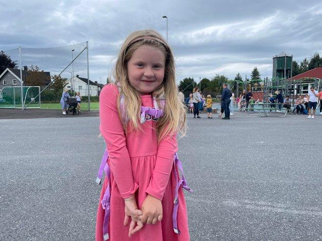 Mia Falk Brænden er klar for første skoledag.