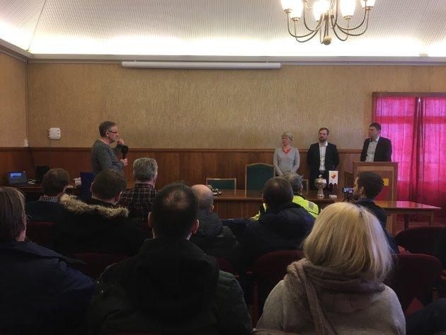 DEBATT: Det ble debatt i rådhussalen da Statoil hadde invitert til møte med politikere og folk i Nordkapp.
