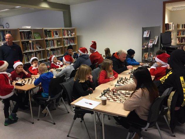Nissesjakk på biblioteket desember 2018