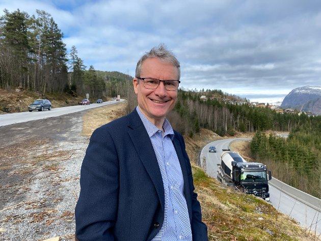 Når regjeringa nå vil bygge ny E39 forbi Førde, er det altså som eit resultat av godt og omfattande arbeid frå mange, kor ein har nådd fram med kor nødvendig, viktig og godt prosjektet er, skriv Olve Grotle (H).