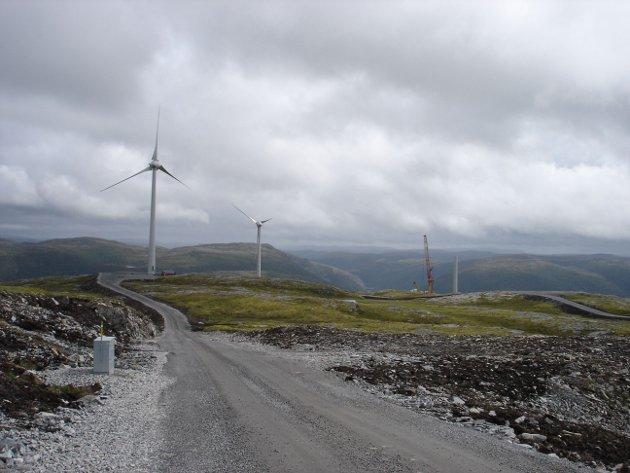 VINDMØLLER: Bilde frå Bessakerfjellet tatt i 2008.