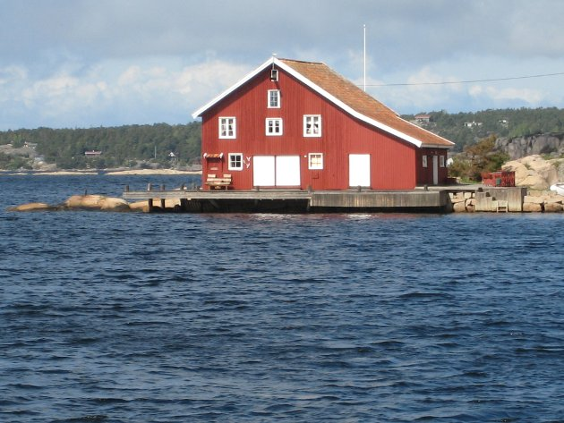 Seks fokusområder: Kulturminneplanen er delt inn i seks fokusområder, blant dem hyttehistorien som her er illustrert ved et  tidligere salteri i Gravningsund. Det er nå fritidsbolig.